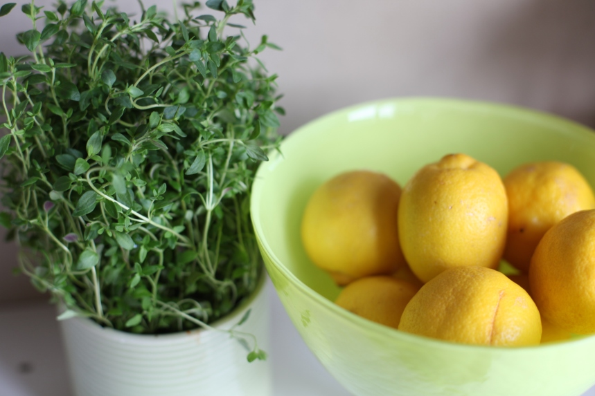 kryddor och citron