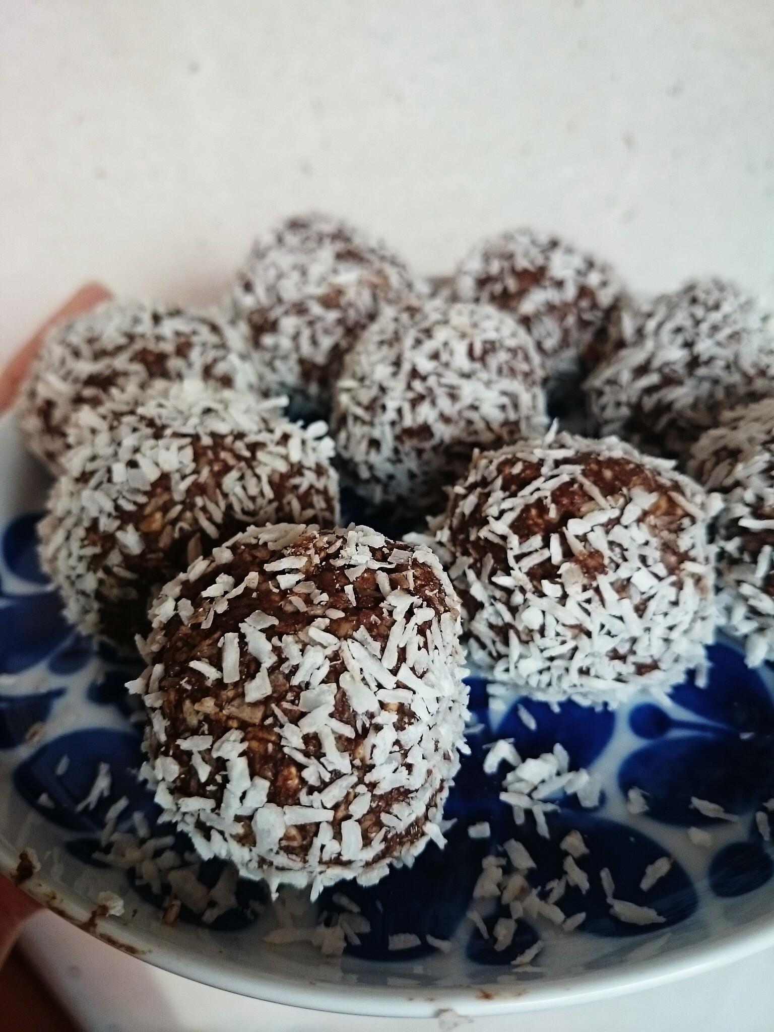 nyttiga chokladbollar utan dadlar och nötter