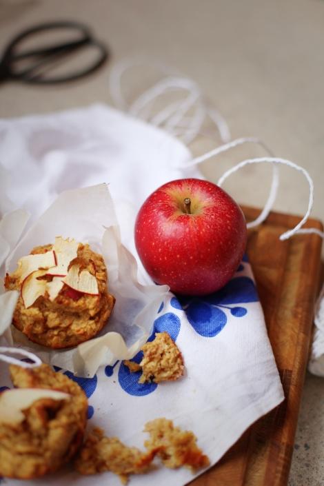 Hälsosamma äppelmuffins med havre och banan (glutenfria, barnvänliga)
