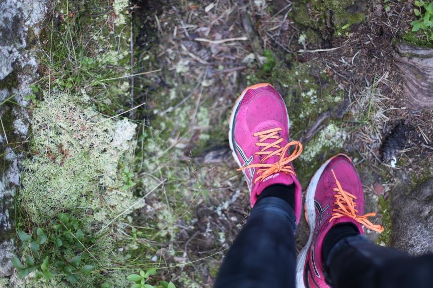 Varför tränar du? Löpning i skogen motivation till träning
