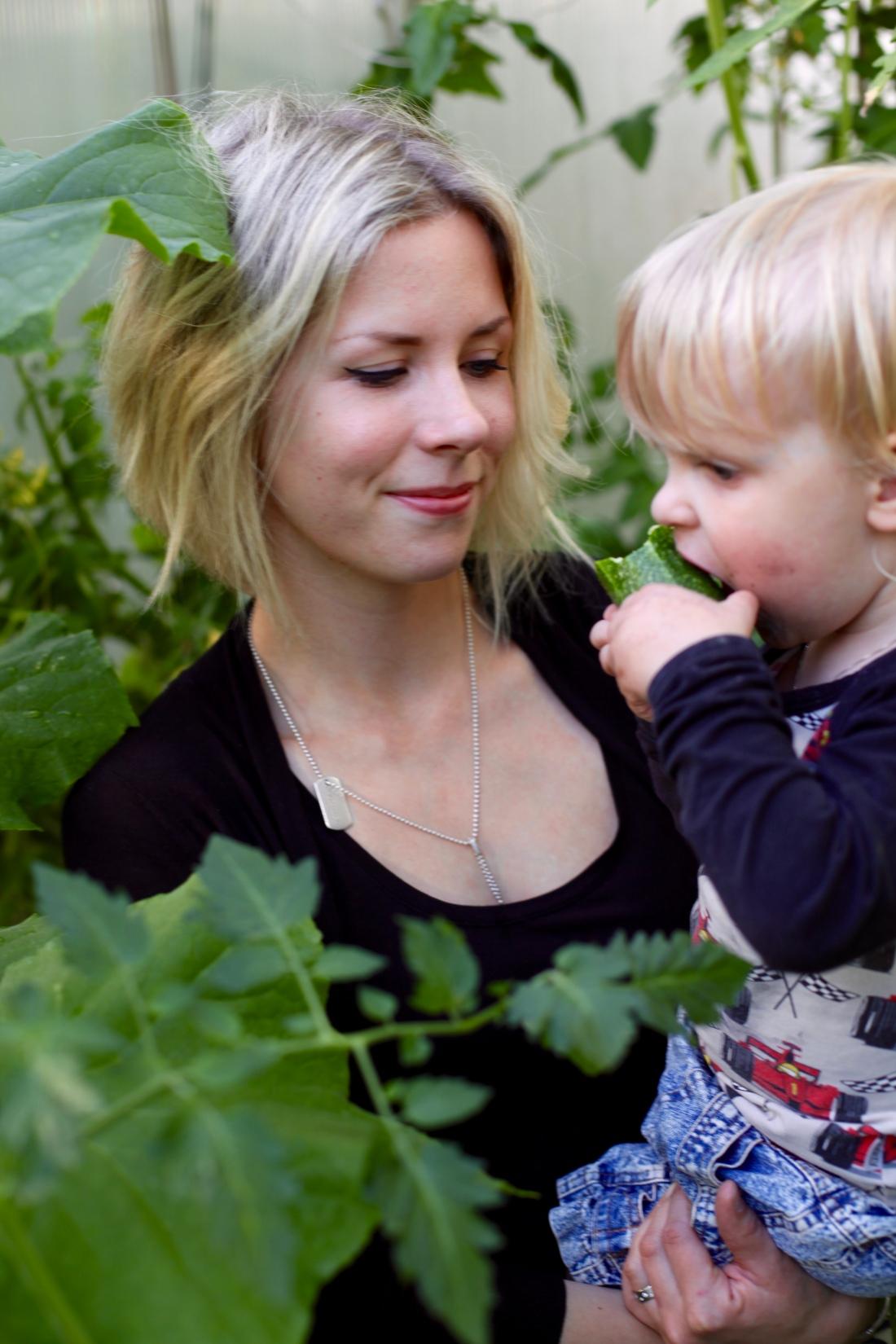 odla med barn i växthus